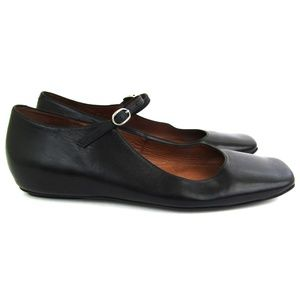 Jefrey Campbell Marmee mary jane flats